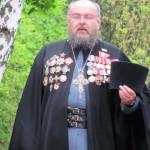 У БРАТСКОЙ МОГИЛЫ БЛИЗ СЕЛА ЗЕЛЁНЫЙ ГАЙ 9.05.2015